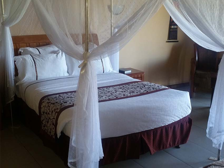 http://kutachika.com/wp-content/uploads/2016/07/Royal-Kutachika-Presidential-Suite-Zambia-2.jpg